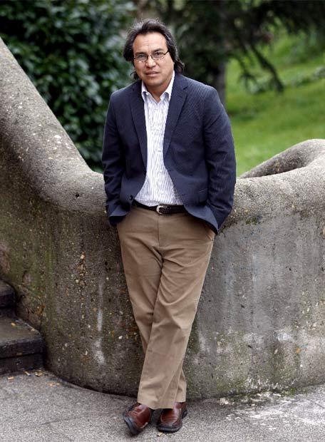 Ampliar  James Anaya posa en la sede de AECID, junto al Museo de América, en un descanso de las jornadas de trabajo de la ONU en Madrid.- BERNARDO PÉREZ